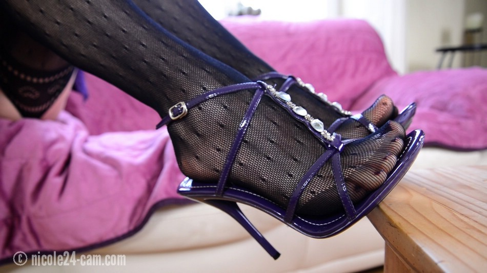 Sexy Nylons In High Female And HeelsBeautiful Feet xodQECBWre