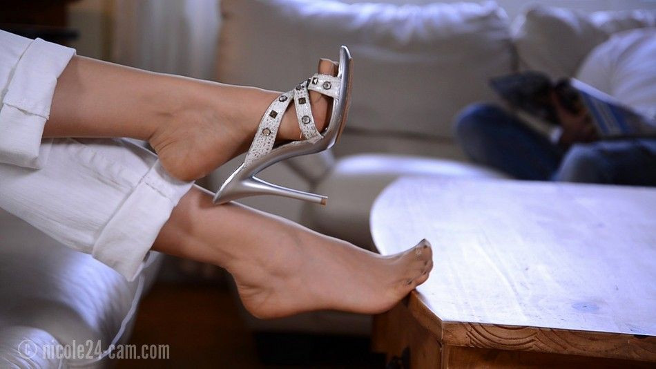 Cum on my pantyhosed feet pics 991