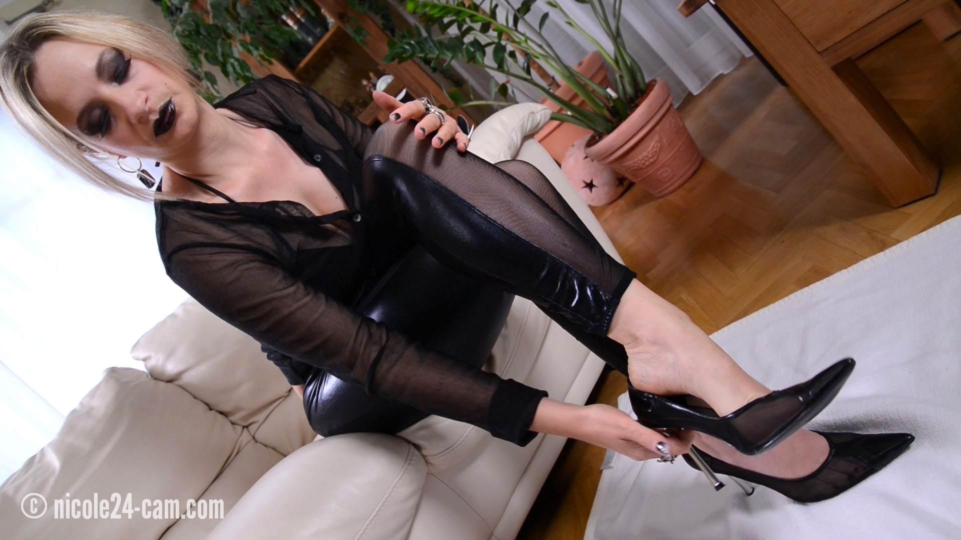 Black lipstick Footjob with nylon socks - nicole24