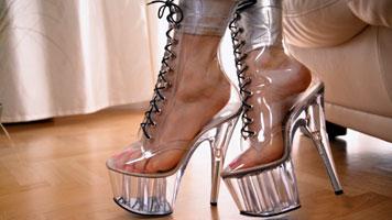 sweaty feet in ankle boots