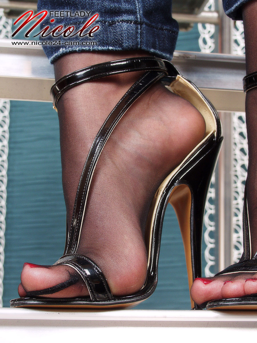 High heel feet fetish faithful